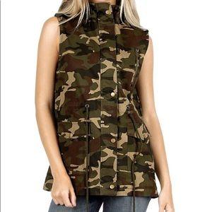 66d0386d4d1 Boutique Jackets   Coats - 🍃PLUS-SIZE CAMO HOODIE VEST NEW🍃